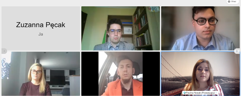 Zrzut z ekranu laptopa. Slajd przedstawia wybranych sześciu uczestników konsultacji, w tym zawiera nazwisko Zuzanny Pęcak.